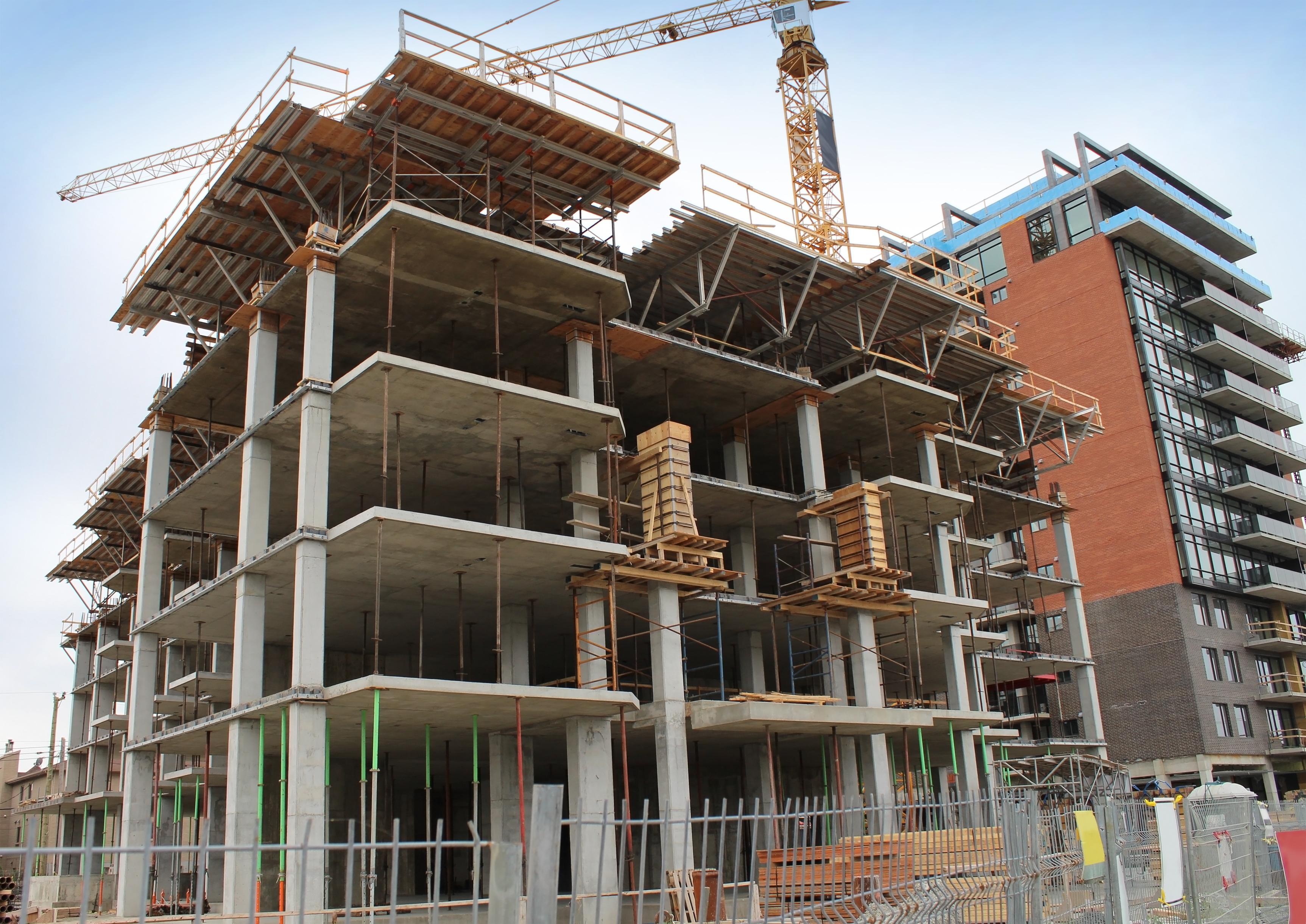 незавершенное строительством здание
